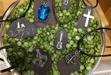 Upcyled Slate Products / If you are looking for an amazing, one of a kind gift don't miss this custom-made slate jewelery in our gift shop! Created by our museum store manager, Melanie, the slate used in these products is re-purposed from our current restoration project. Proceeds from the sale of this unique product will be designated for maintenance projects to ensure the Mansion is preserved for the education and enjoyment of many visitors.