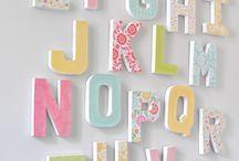Буквы на стенах