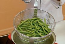 ~Canning, Freezing, Preserving / making homegrown food last / by Maria V