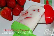 Delicious / Frozen yogurt+strawberry Popsicle!