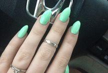 Nails / by Jennifer O'Brien
