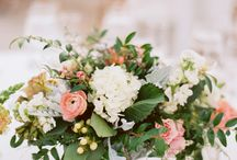 Inspiration {Table flowers} / by Little Gray Station - Wedding and Event Design