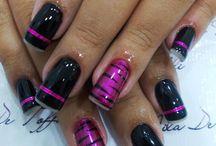Nagels met zwart en paars
