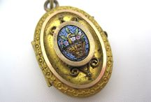 Antique lockets - gold / Lockets that I love!