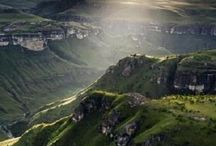 Drakensberg / Explore the magnificent Drakensberg in KwaZulu-Natal.
