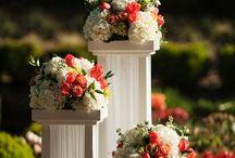 стойки с цветами