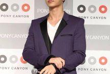 Aaron Yan tuxedo