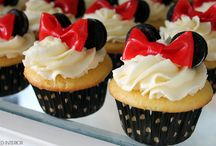Ashley / Minnie mouse cupcakes