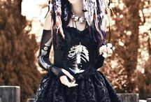Modern Witch / Modern Witch outfit - shoot inspiration - poses and mood