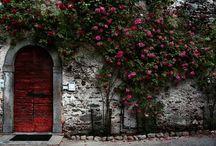 Puertas / by Enid Rosario