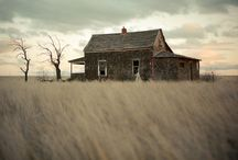 OLD BUILDINGS / by Robin Carlson