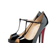 Fashion: Shoes / by Laila Kuperman