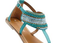Sandale rafinate cu o formă deosebită