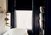 Black Bathrooms / Black Moody Bathrooms - Interior Inspiration!