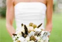 carry it down the aisle / Beautiful bridal bouquets.