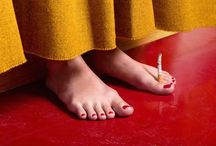 Trocando os pés pelas mãos, só complica a situação meter os pés pelas mõs ,é  cáos!! / Quando complicamos o que é simples, usa esse termo,e é assim quando estamos nervosos,ou uma omissão, ou defrontar com situações, os pés e as mãos falam.Os pés são relegados a segundo plano e eles sustemtam nosso corpo, ele é maravilhoso!Ele é nosso veículo, podemos viajar o mundo só o utilizando, ja se comprovou isso ,gente que andou o mundo ou o Brasil todo como a Coluna Prestes!e NADA MELHOR QUE UM CACHORRO PRA TE ACOMPANHAR...