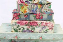 FABRIC BOXES AND SUCH / by Phyllis Closser