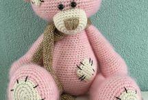 Brinquedos crochet