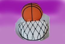 Konfirmant kaker / Alle kaker kan personlig tilpasses din konfirmant slik at personligheten til konfirmanten vises i kaken. Følg gjerne min facebookside hvor jeg stadig legger ut oppdateringer beskrivelser av hver enkelt kake.
