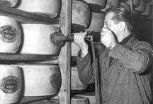 La storia/The history / Dal medioevo al ventunesimo secolo: un viaggio storico per scoprire le vicende di uno dei più famosi prodotti alimentari italiani: il Parmigiano Reggiano.