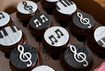 Microphone Music Cake
