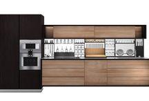 Escooh Kitchens - Legno vivo / Passione per il legno e per l'innovazione.  La qualità e l'eccellenza sono al centro della produzione delle nostre cucine, le quali si caratterizzano per un design lineare in grado di esprimere al meglio la bellezza e la preziosità del legno e dei materiali naturali.