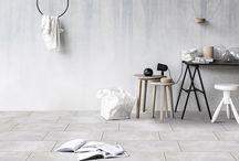 TANUM – Culori și texturi urbane pentru un stil minimalist / Colecția de gresie porțelanată Tanum de la Cesarom are o suprafață satinată, mată, cu aspect de ciment finisat, și vine în patru culori moderne: gri, antracit, bej și mocca, fiecare cu patru fețe diferite pentru ambientări vibrate, naturale.