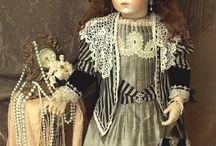 Starožitné panenky (Antique Dolls)