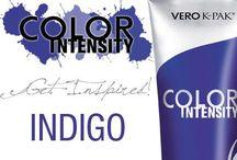 Indigo / Indygo - energetyczny, ale spokojny kolor. Świetnie komponuje się z bielą i czernią oraz bardziej odważnymi kolorami. Znakomicie sprawdza się w oficjalnych stylizacjach.