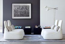 Sillón HOSU / Diseñado por Patricia Urquiola , este sillón es una obra única. Crea un espacio personal, reconfortante para relajarse y hacer las cosas que más te gustan.