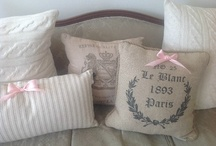 Pillow Obsession / Patterns, Textures, & Love for Pillows!