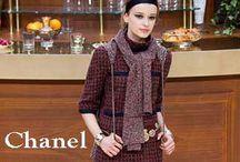 Chanel / Chanel collezione e catalogo primavera estate e autunno inverno abiti abbigliamento accessori scarpe borse sfilata donna.
