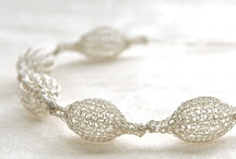 Jewelry Design- Diseño y joyas / Beautiful designs, to see and make