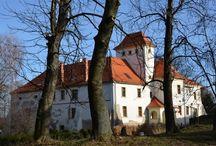 Piotrowice Nyskie - Pałac / Pałac w Piotrowicach Nyskich - został wybudowany w 1660 r. jako dwór. Obecnie jest własnością prywatną - prowadzony jest w nim hotel.  Palace in Piotrowice Nyskie - a yr built in 1660 stayed as the manor house. At present he is a private property - in it a hotel is run.