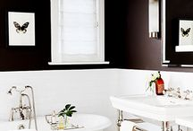Black & white bathroom / Black walls with white fittings