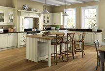Platinum kitchen range / www.unitsonline.co.uk