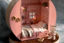 Dollhouse Inspiration / Inspiring pictures of dolls, dioramas, and dollhouses.
