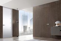 """MARSICA designdeuren / MARSICA is al jaren dé specialist op het gebied van bijzondere Italiaanse deur- en kozijnsystemen . Tot ons assortiment behoren onder meer: schuifdeuren, """"onzichtbare"""" deuren, taatsdeuren en tal van andere designdeuren.  BEKIJK OOK ONZE ANDERE ALBUMS MET DESIGNDEUREN"""