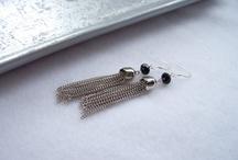 Lovely earrings / by Bramalfie Beads etc