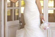 The dress! / by Jenna Boley