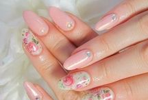 Almond Nails <3