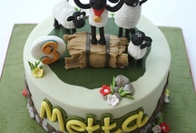 Shaun the sheep cakes