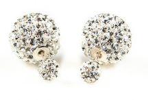 Double Duo Dots oorbellen rage / Double Duo Dots oorbellen! De oorbellen rage van nu. Kleintje aan de voorkant, grote van achteren! Erg leuk! Www.dewereldvanbijoux.nl