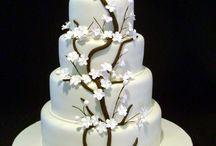 your wedding cake  / One of the main events of your wedding day will be when you get to cut your wedding cake in front of all your friends and family.  Your wedding cake will sit beautifully throughout your wedding reception and will be gazed upon by everyone as you cut that very first slice as husband and wife.