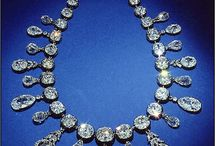 Famous Jewels and Historical Jewelry Pieces / Jewels we all want.
