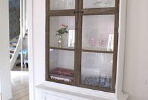 Gamla fönster / glasväggar
