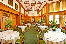 VENUE | Barber-Surgeons' Hall / Barber-Surgeons' Hall is an elegant entertainment venue with a long summer terrace and a physic garden, ideal for weddings in the heart of the city
