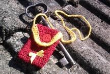 (crochet) háčkované taštičky na kadečo (mobil?)
