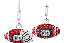 Davenport University / Davenport University is a private, non-profit, multi-location university located at 11 campuses throughout Michigan and online. Browse high quality, officially licensed Davenport University jewelry!