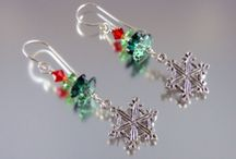 Christmas Jewelry Crafts / DIY fashion fans will love these Christmas fashion crafts. You can make totally new craft jewelry likes DIY bracelets and DIY necklaces and save money. / by AllFreeChristmasCrafts
